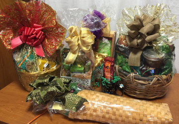 10 Ways Gift Baskets Make You Money, by Shirley George Frazier. All rights reserved.