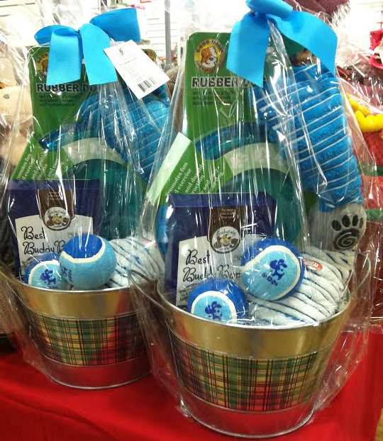 Two Paws Up for Pet Gift Baskets - Gift Basket Business