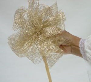 The Most Beautiful Bows for Baskets, by Shirley George Frazier. All rights reserved.