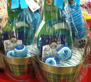 Two Paws Up for Pet Gift Baskets, by Shirley George Frazier. All rights reserved.