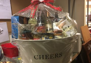 10 Things You Need to Sell Gift Baskets, by Shirley George Frazier. All rights reserved.