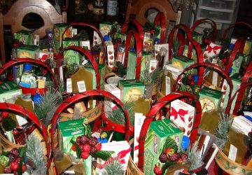 Success Blueprint for Holiday Gift Basket Sales, by Shirley George Frazier. All rights reserved.