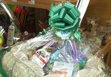 What to Put in a Pet Gift Basket, by Shirley George Frazier. All rights reserved.