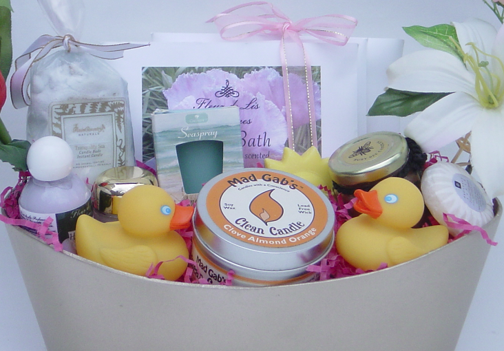 What to Put in a Spa Gift Basket, by Shirley George Frazier. All rights reserved.