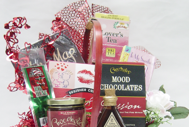 What to Put in a Valentine's Day Gift Basket, by Shirley George Frazier. All rights reserved.